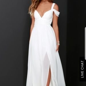 White chiffon full length gown. Size M NWT